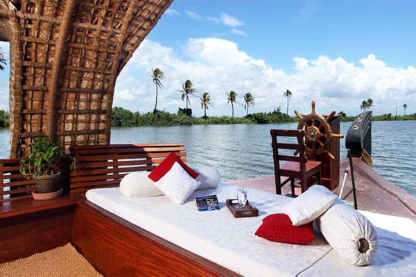 Houseboat Kerala Tour Package Site