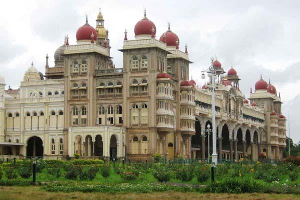 mysore palace Kerala Tour Package Site